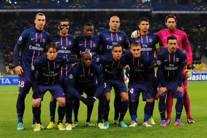 PSG players lineup before a match